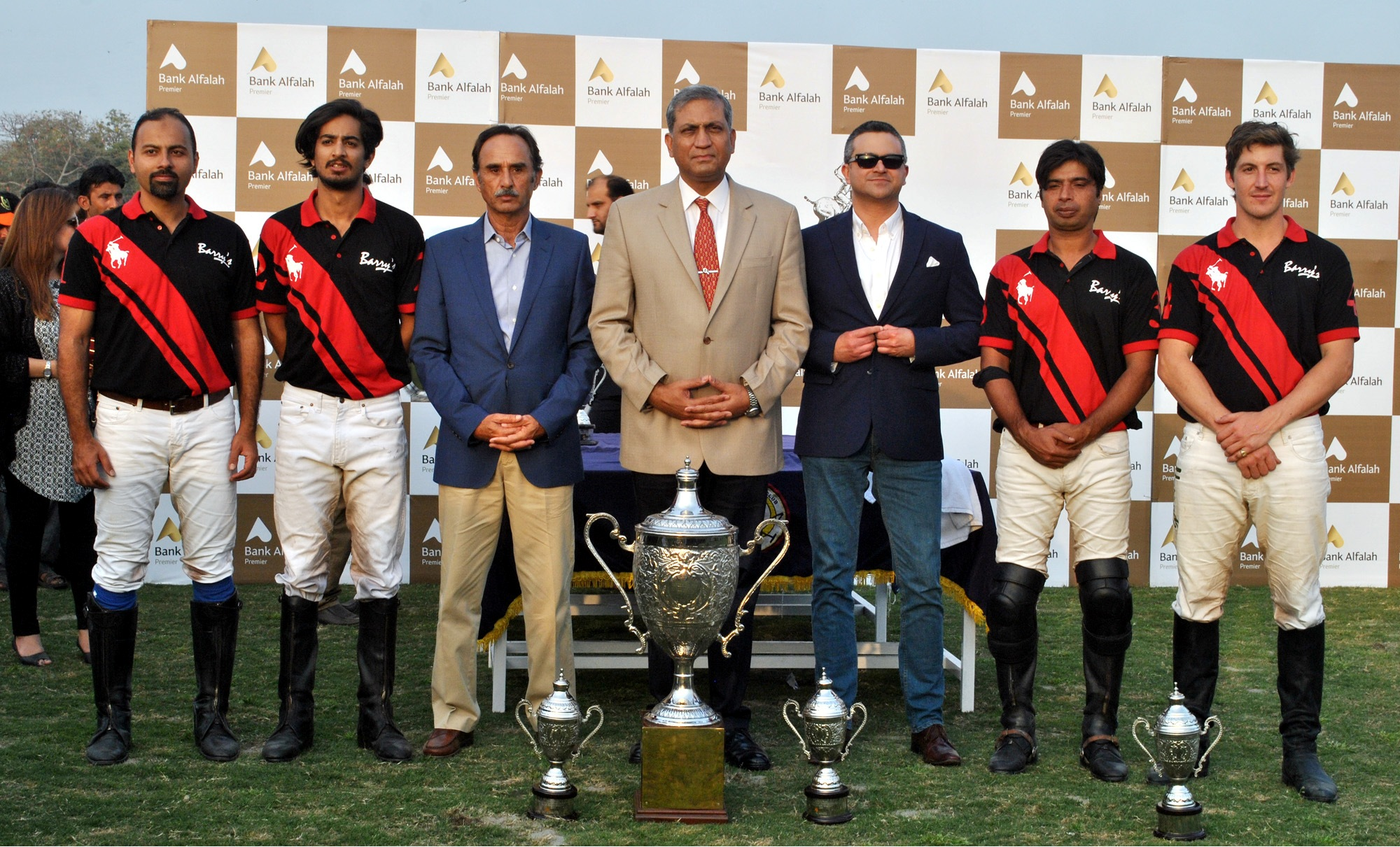 Barrys,the winning team with trophy along with Corps Commander Lahore and others
