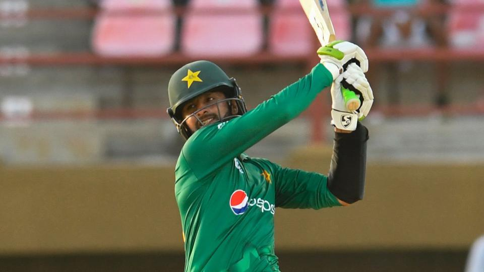 Shoaib Malik hitting sixer to complete his ton and secure the win for Pakistan